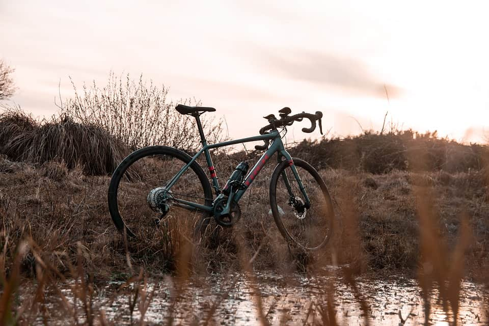 Gravel Road Bike